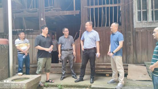 市土地发展中心金晖辉主任赴民天食品厂及周边地块现场指导历史建筑保护工作